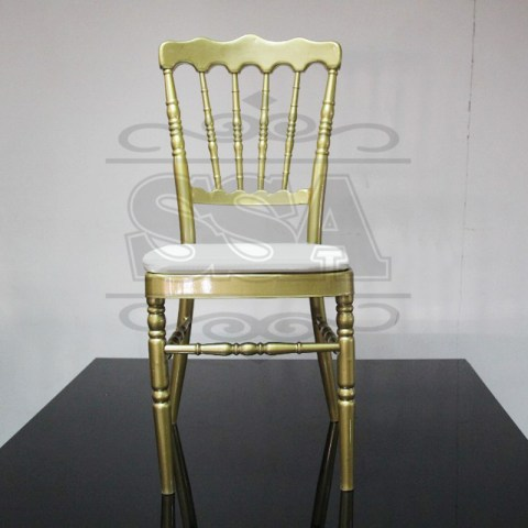 2015-plastic-resin-clear-tiffany-chair-for-bride-and-groom