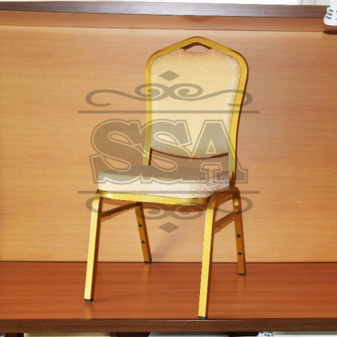 Elegant-gold-metal-material-used-banquet-chairs